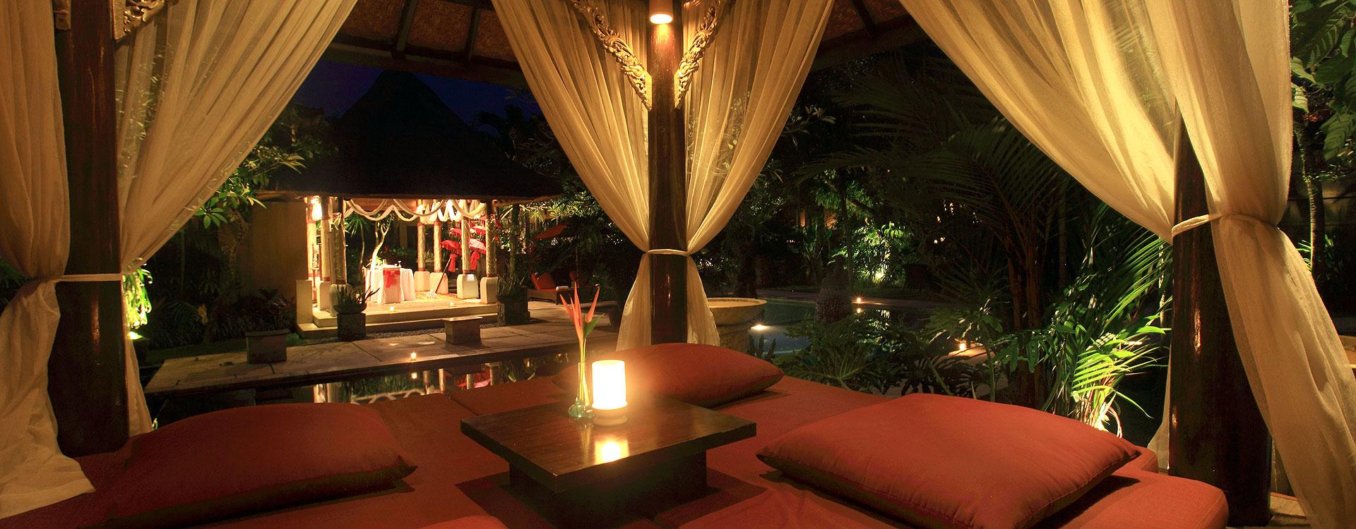 Bebek Tepi Sawah Restaurant And Villas Romantic Candle